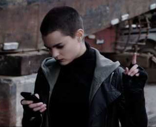 Negasonic texting about the fight.